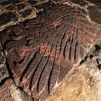 Bức điêu khắc đại bàng khổng lồ quý hiếm trong ngôi đền cổ