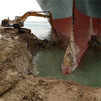 Tại sao không ai giải thoát được con tàu mắc kẹt ở kênh đào Suez?