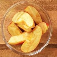 Vì sao quả táo cắt ra lại chuyển màu nâu?