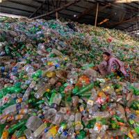 Các nhà khoa học biến đổi chai nhựa đã qua sử dụng thành hương liệu vani