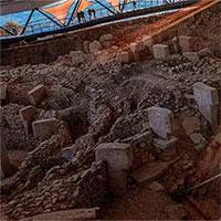 """Phát hiện 12 """"kim tự tháp"""" khổng lồ, xưa hơn Ai Cập đến 6.300 năm"""