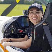 Cô gái 19 tuổi sắp lái máy bay vòng quanh thế giới