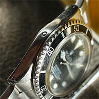 Chấm tròn nhỏ trên đồng hồ Rolex có tác dụng gì?