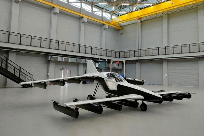 Thiết kế của Mk5, mẫu máy bay cá nhân cất hạ cánh thẳng đứng chạy bằng điện.