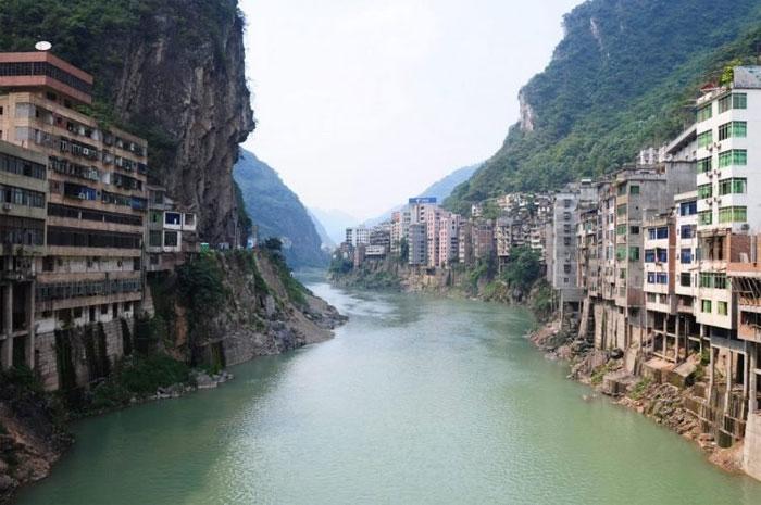 Thành phố nằm hai bên bờ sông Nanxi