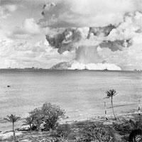Tại sao bom hạt nhân phát nổ tạo thành đám mây hình nấm?