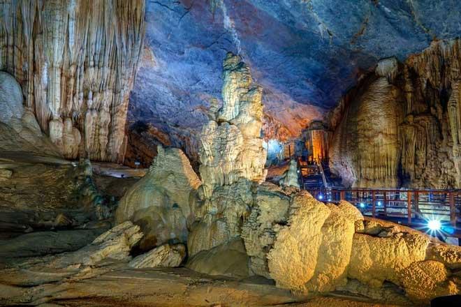 Vẻ đẹp của các nhũ đá ở Động Thiên Đường - Quảng Bình.
