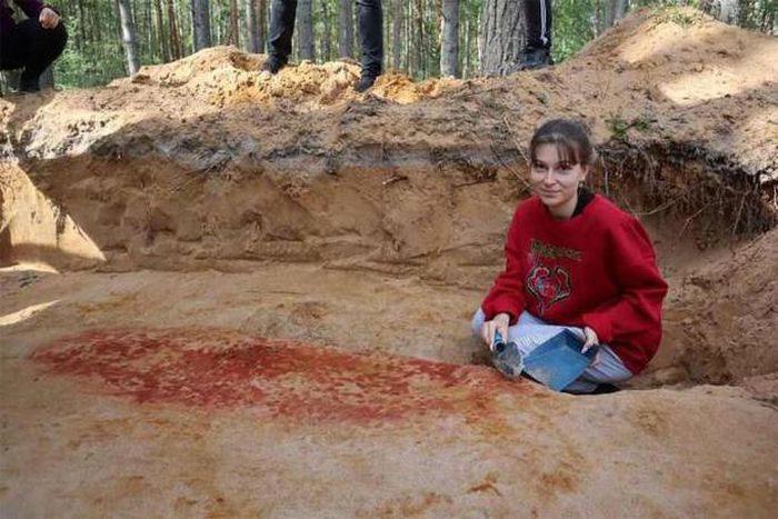 """Một nhà khoa học tại nơi tìm thấy """"ngôi mộ châu báu"""""""