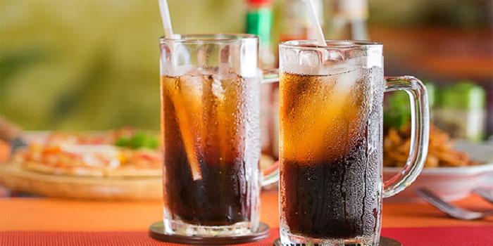 Nước ngọt có gas tàn phá sức khỏe của bạn.