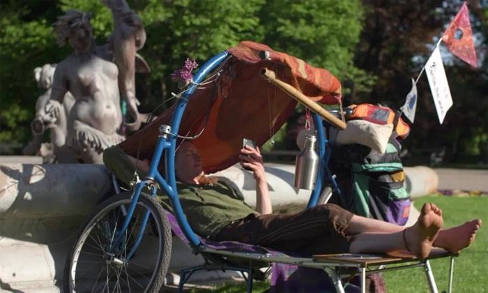 Cercle - mẫu xe đạp tiện dụng trang bị chỗ nghỉ cho người lái.