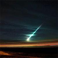 """Sao chổi """"quái vật"""" vỡ tan, liên tục đe dọa Trái đất"""