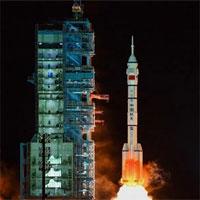 Tàu vũ trụ chở nữ phi hành gia đầu tiên lên trạm Thiên Cung