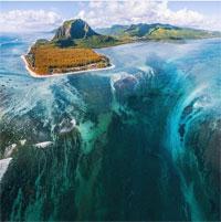Đến quốc đảo 3000 năm tuổi chiêm ngưỡng dòng thác chảy dưới đáy đại dương độc đáo nhất thế giới