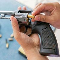 Video: Vì sao súng đạo cụ vẫn gây chết người?